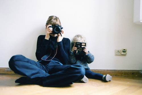Fred Hüning Untitled (2 photographers), 2008 C-print, 18 cm x 27 cm © Fred Hüning Courtesy of the artist