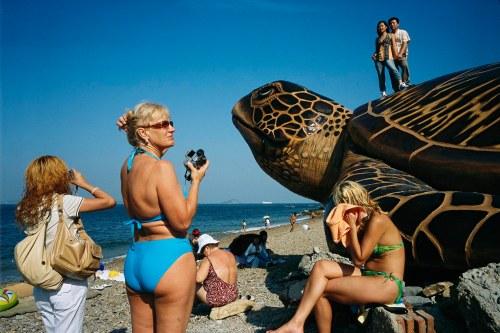 China - Liaoning - Dalian, Russian tourists drawn to Bohai sea beaches.